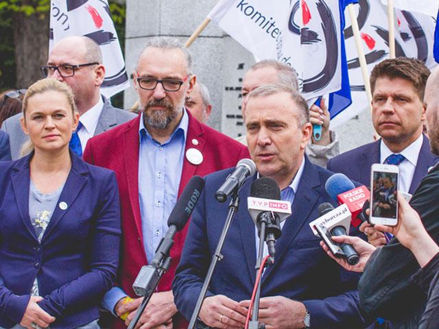 """""""Jesteśmy i będziemy w Europie"""" – wspólny marsz opozycji w Warszawie 7 maja"""
