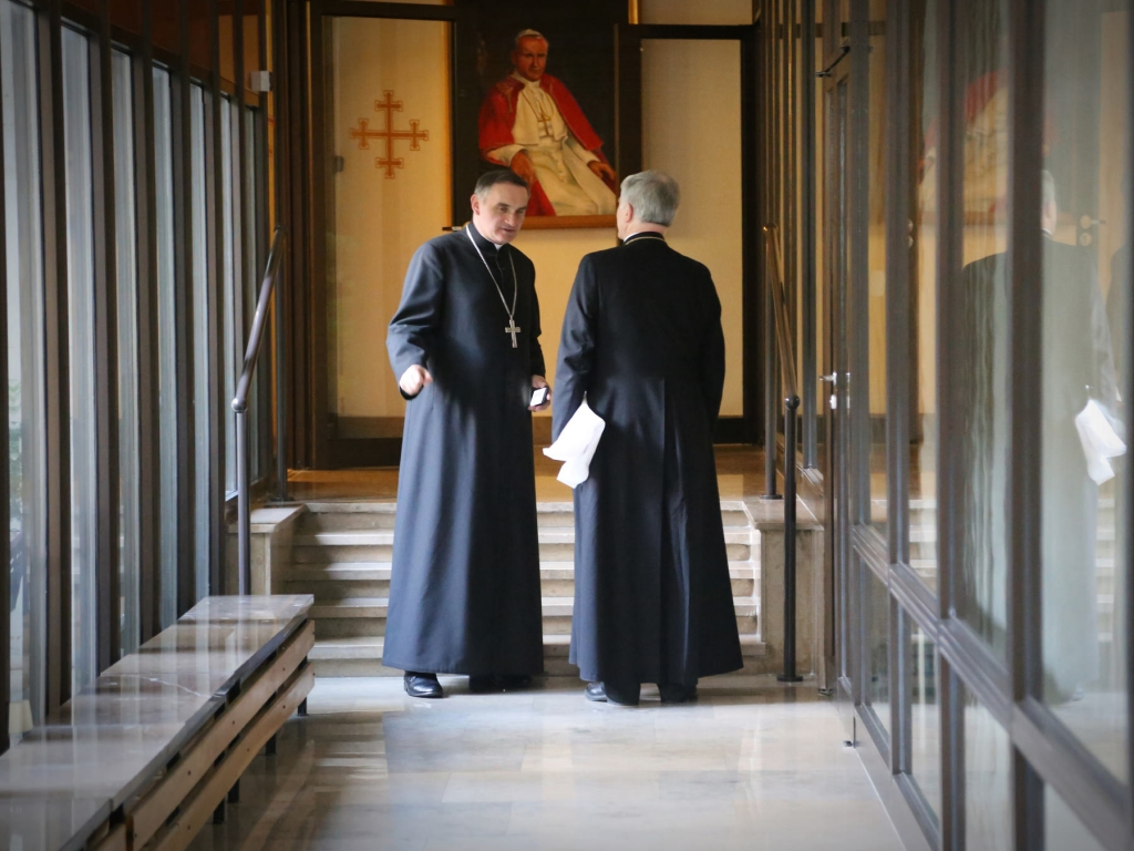Przerwa podczas 373. zebrania plenarnego episkopatu