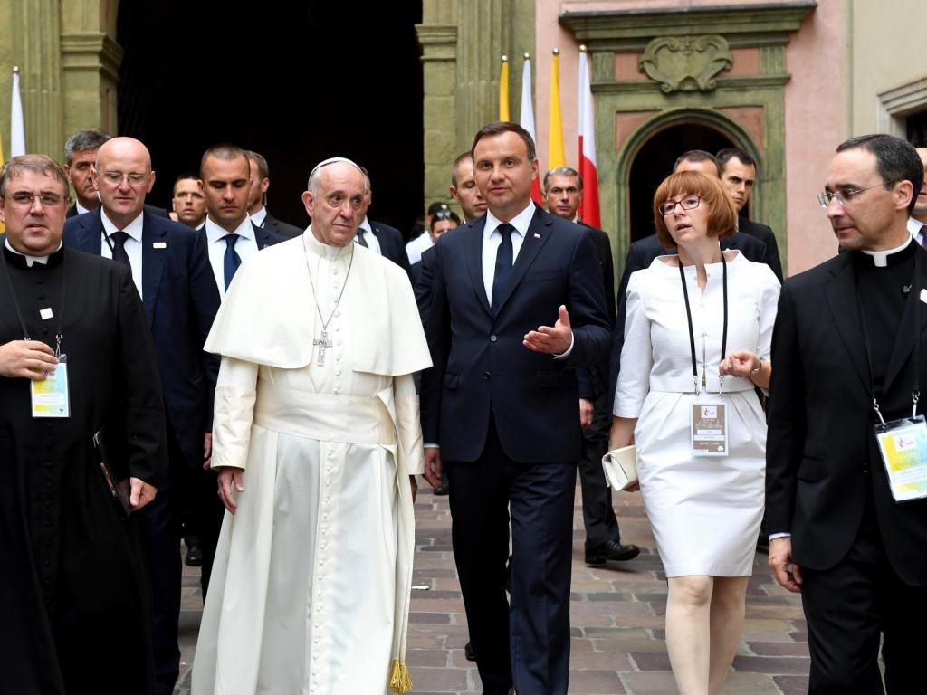 Papież Franciszek wraz z prezydentem Andrzejem Dudą na Wawelu 27 lipca