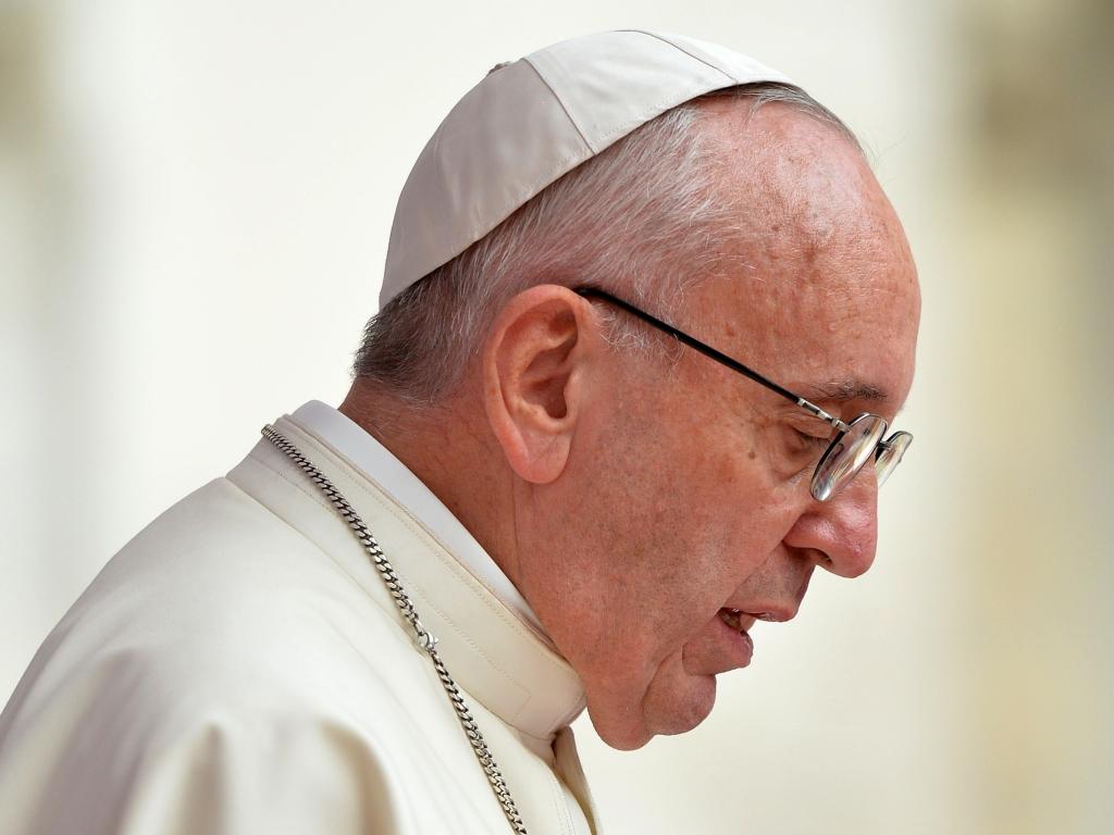 Papież Franciszek przemawia na Wawelu