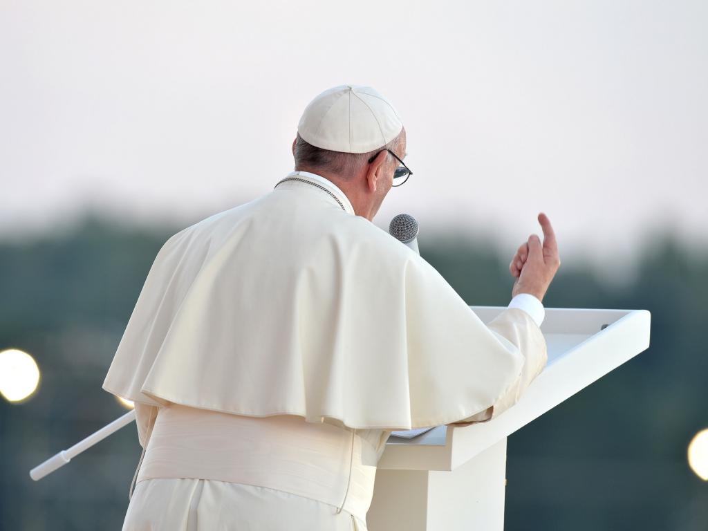Kruszejąca wielkość Jana Pawła i rewelacje Franciszka