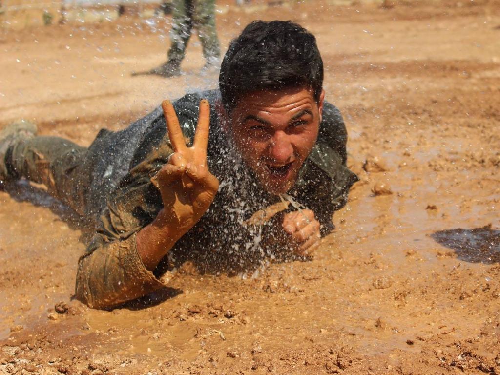 Kurdyjski bojownik, czerwiec 2016