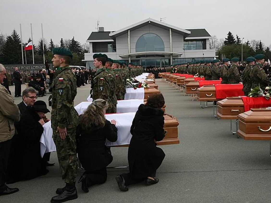 14 kwietnia 2010 r. wylądował w Warszawie samolot z 30 ciałami ofiar katastrofy smoleńskiej