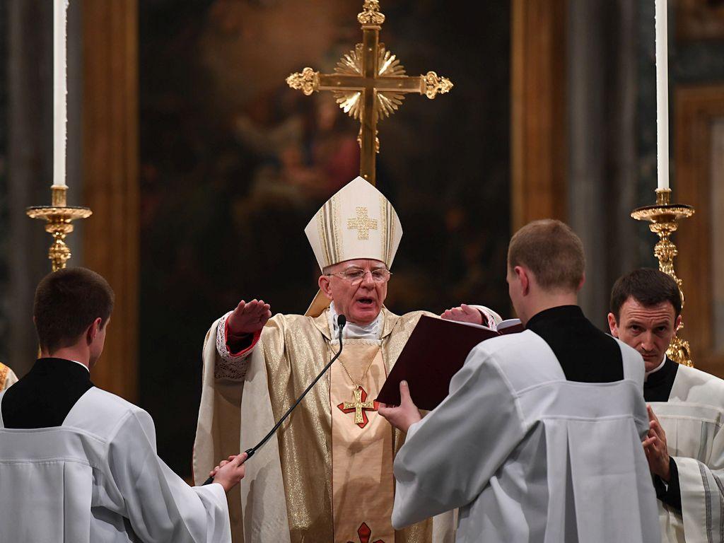 Abp Jędraszewski zastąpi abp. Gądeckiego na watykańskim szczycie