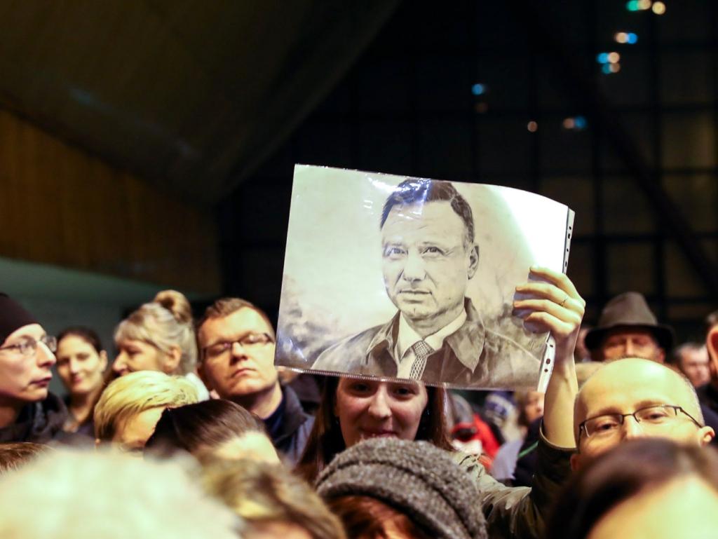 Uczestnicy spotkania z prezydentem Andrzejem Dudą w Zabrzu