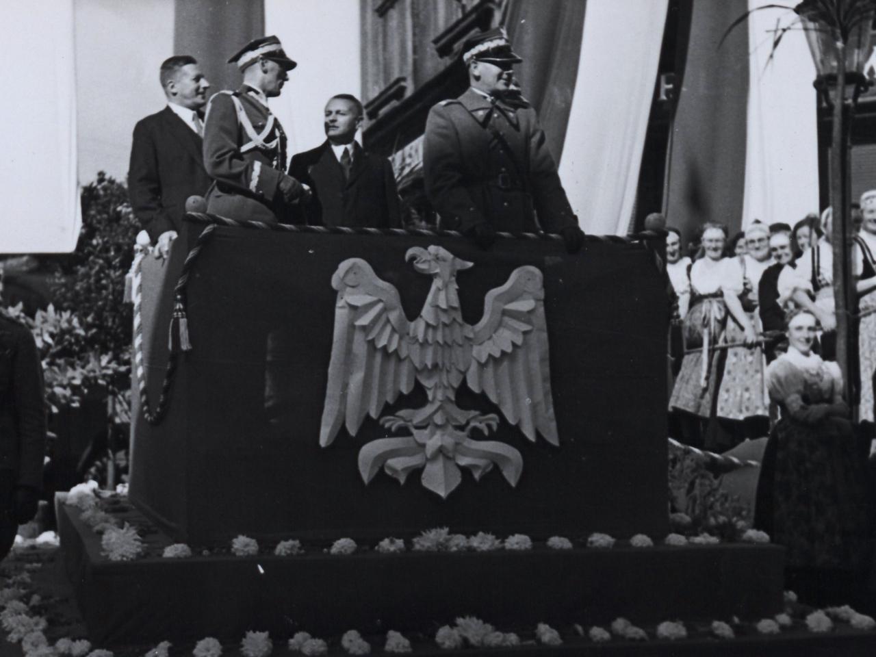 Uroczystości po wkroczeniu wojsk polskich do Czeskiego Cieszyna w 1938 r.