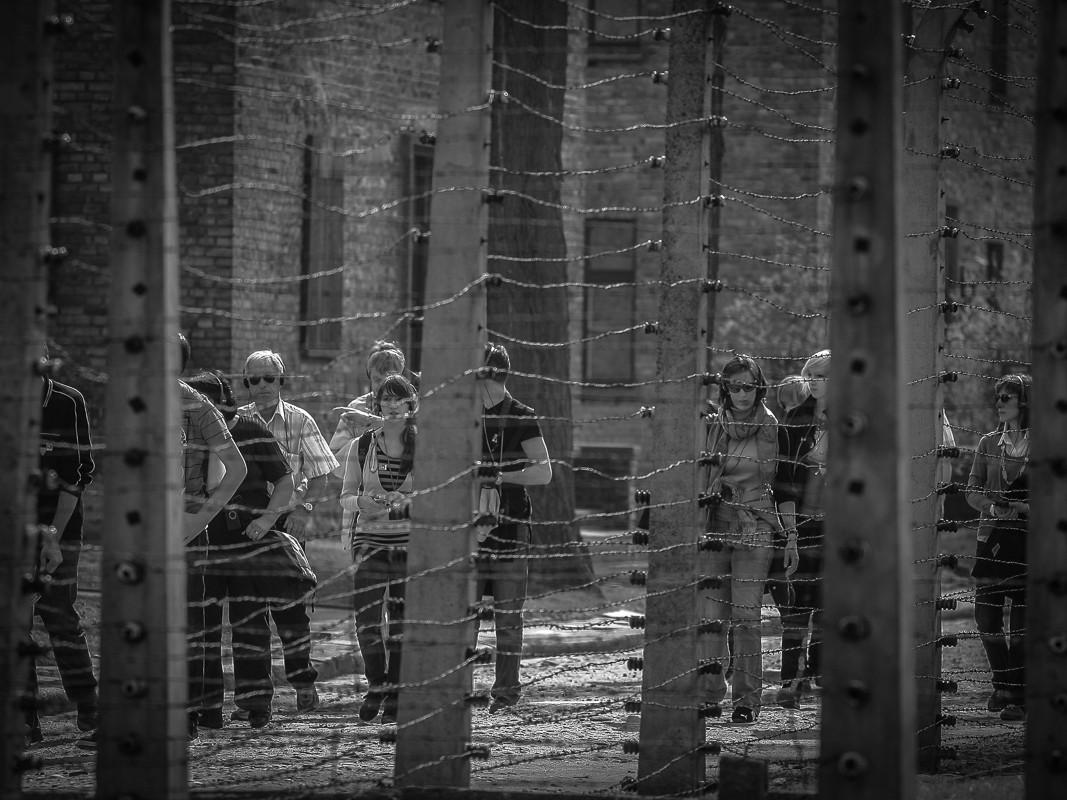 Facebook nie będzie już pozwalał na treści negujące Holokaust