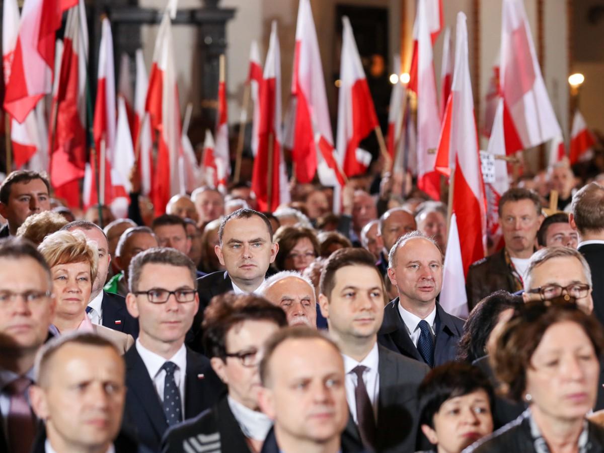Msza św. w archikatedrze warszawskiej poprzedzająca Marsz Pamięci