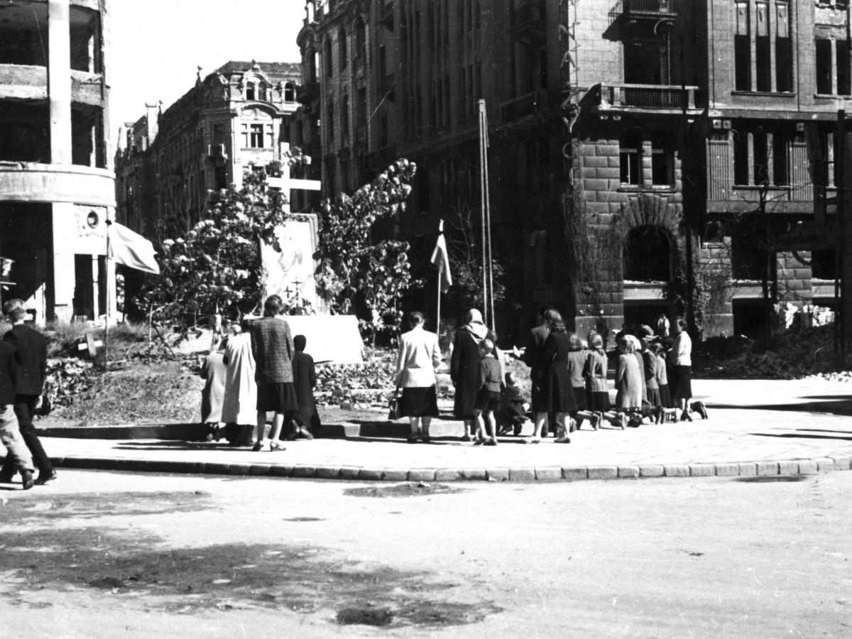 1 sierpnia 1945 r., pierwsza rocznica Powstania Warszawskiego