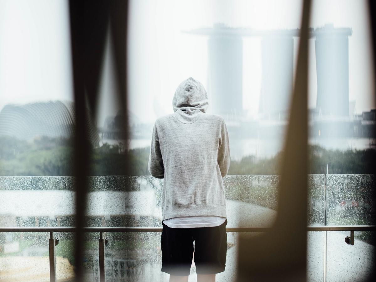 Jak chronić nastolatków przed samobójstwem?