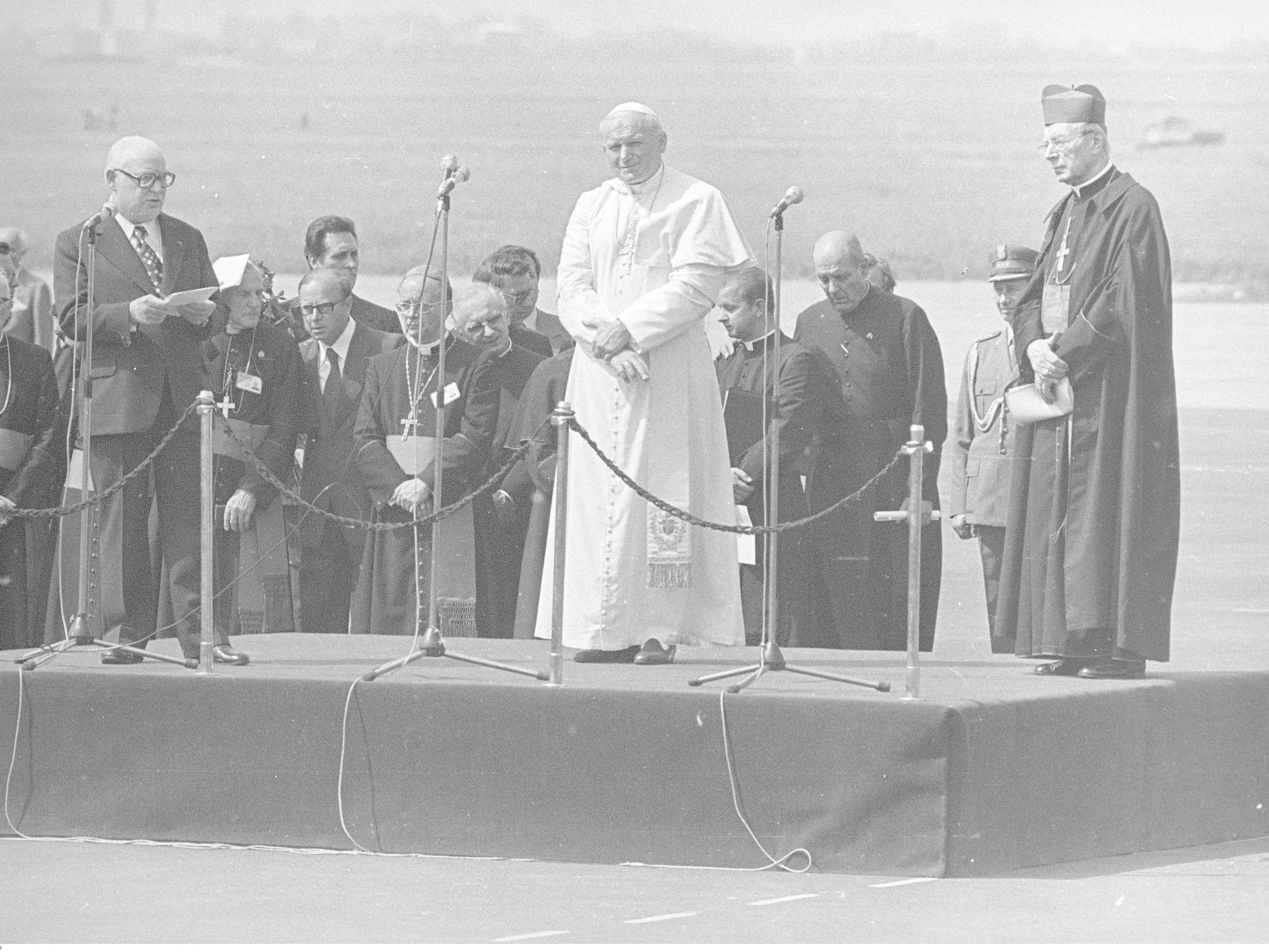 Jan Paweł II, Henryk Jabłoński, Stefan Wyszyński