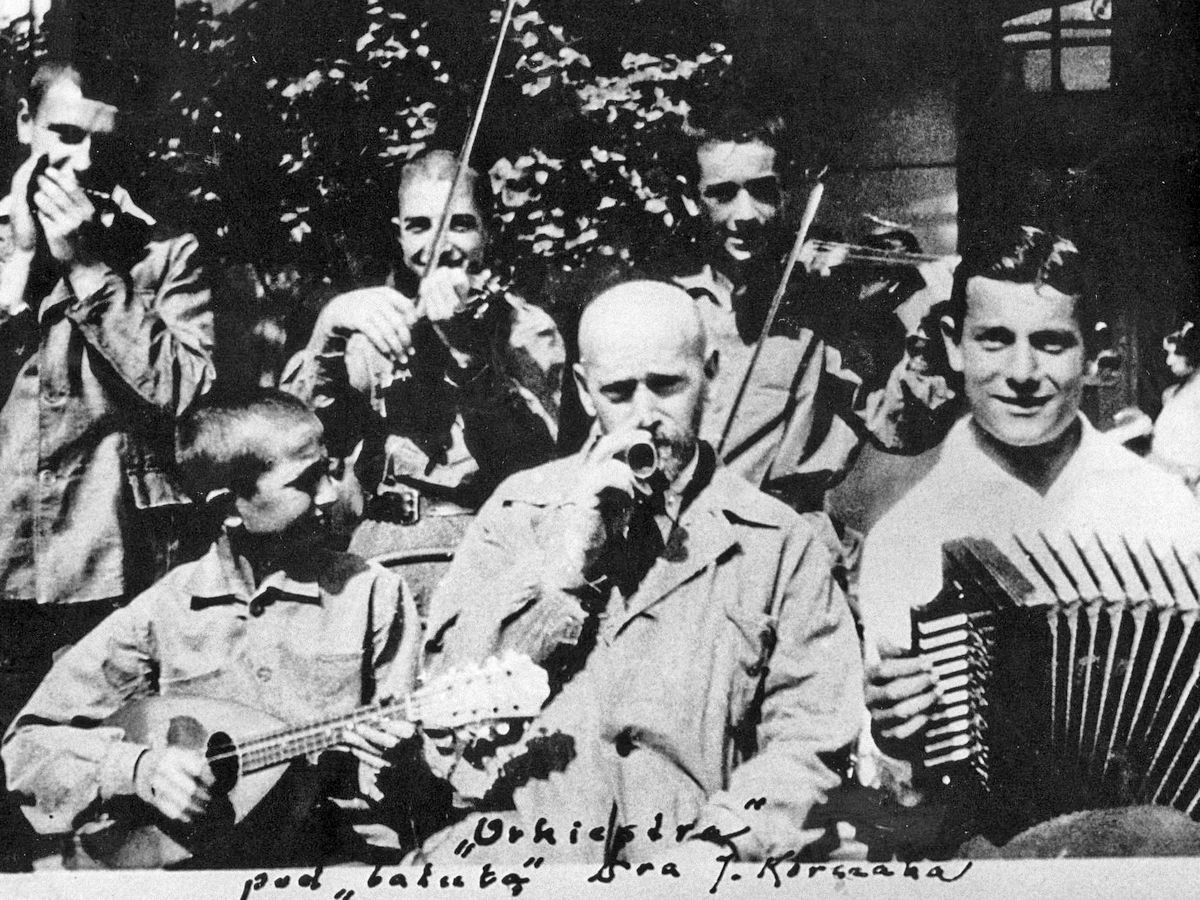 Janusz Korczak, Więź