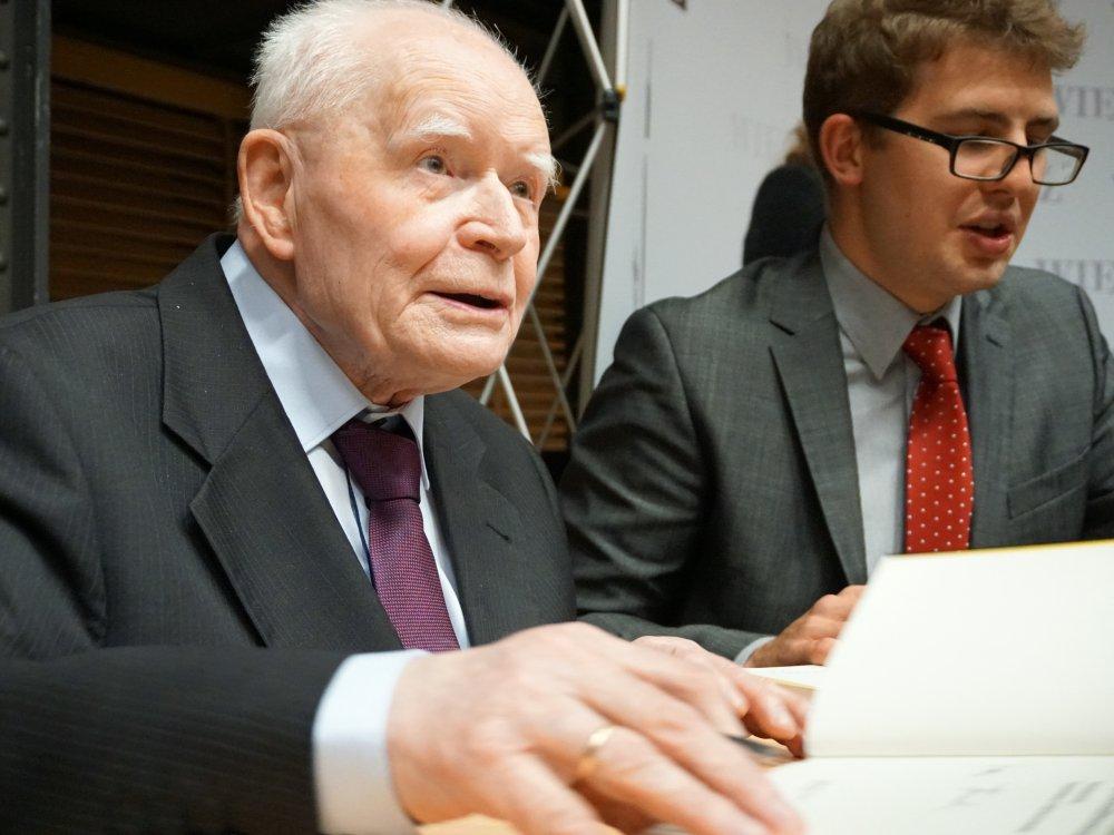Prof. Adam Strzembosz i Stanisław Zakroczymski