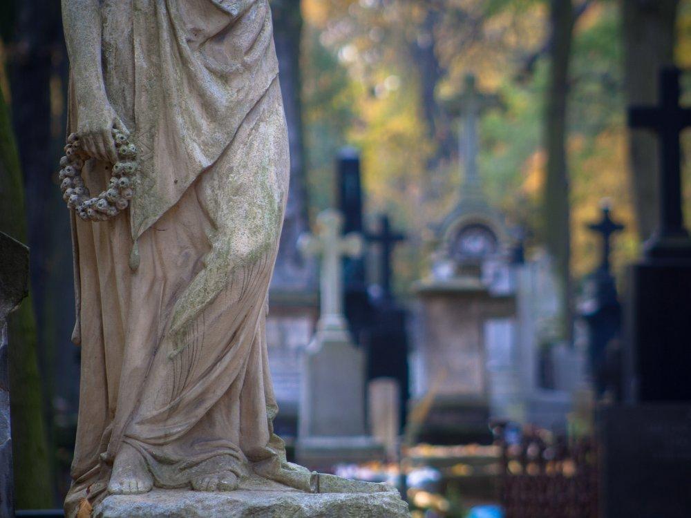 """""""Pamięć o grobach to wyraz naszego człowieczeństwa"""". Apel międzyreligijny"""