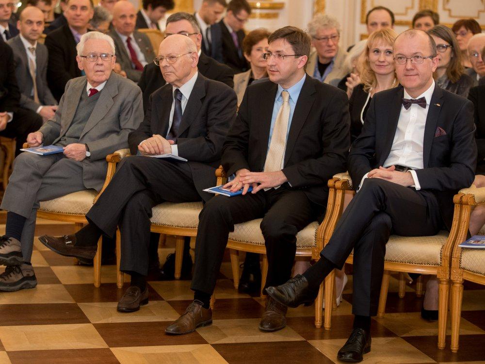 Prof. Andrzej Trautman, prof. Krzysztof Pomian, prof. Piotr Trzonkowski oraz prof. Daniel Gryko