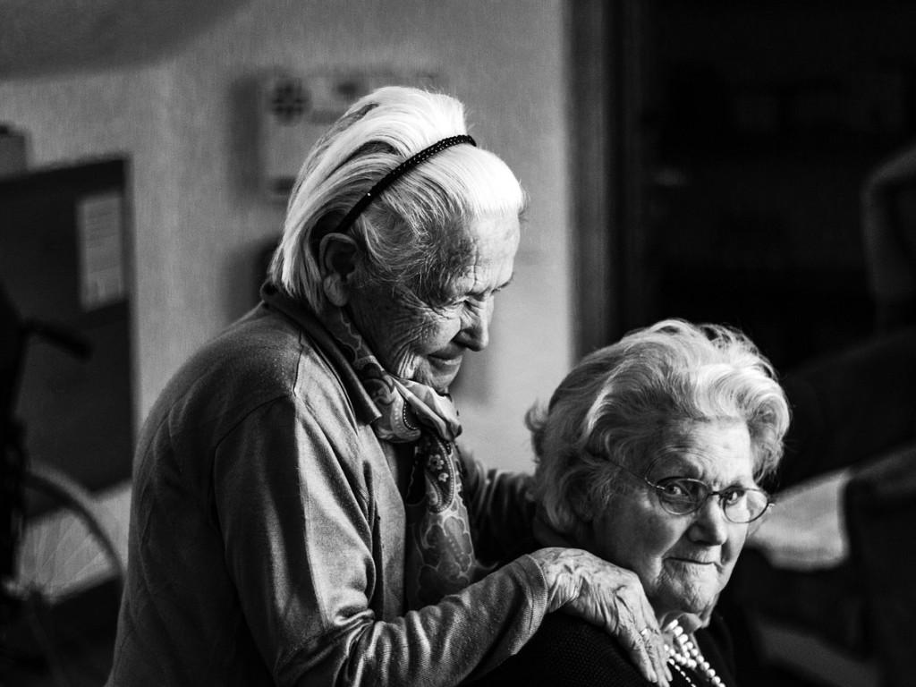 Programy senioralne – i przychylność, i krytyka
