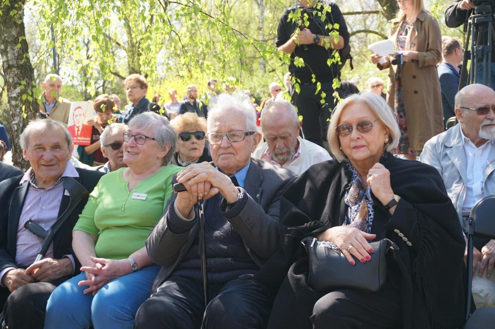 18 kwietnia warszawski park w okolicy Sejmu uroczyście otrzymał imię Tadeusza Mazowieckiego