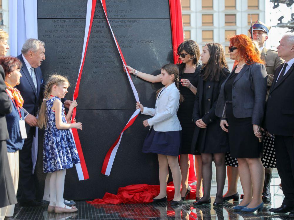 Odsłonięcie pomnik ofiar katastrofy smoleńskiej