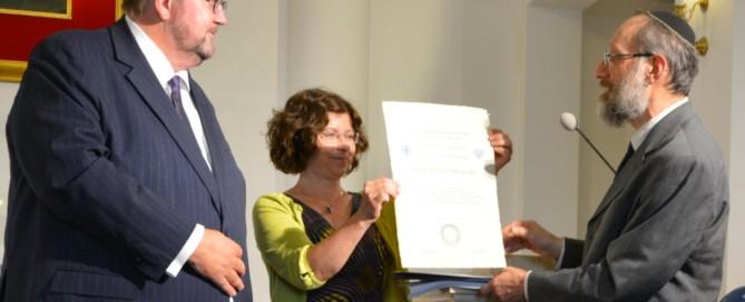 Rabin Walter Homolka odbiera tytuł Człowieka Pojednania