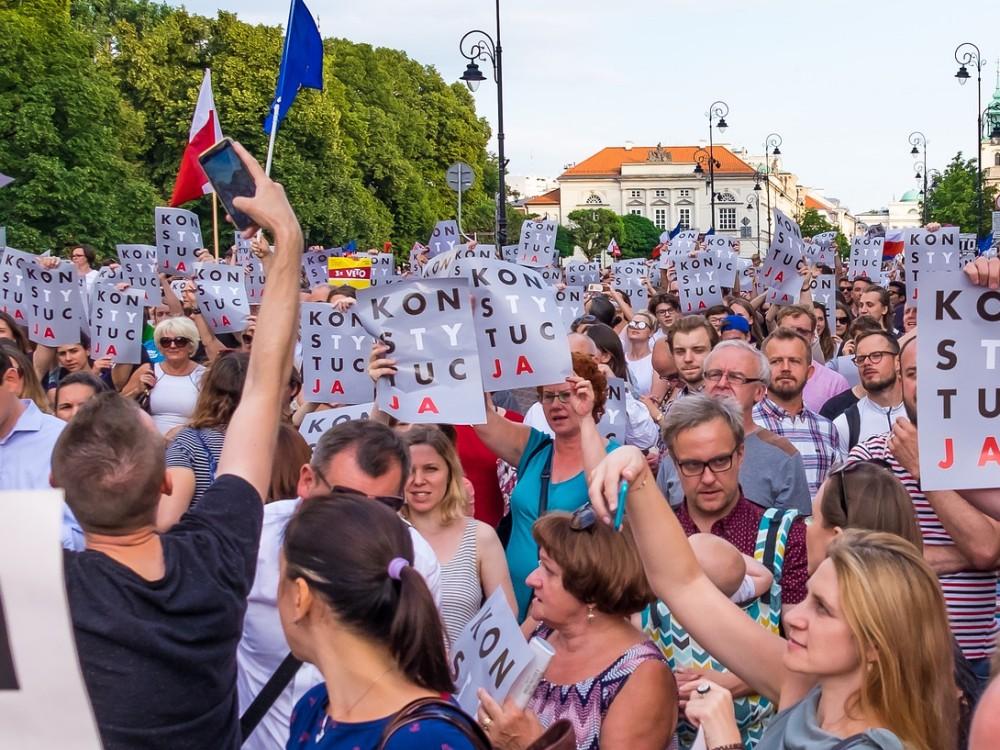 Demonstracja przeciwko zmianom w sądownictwie