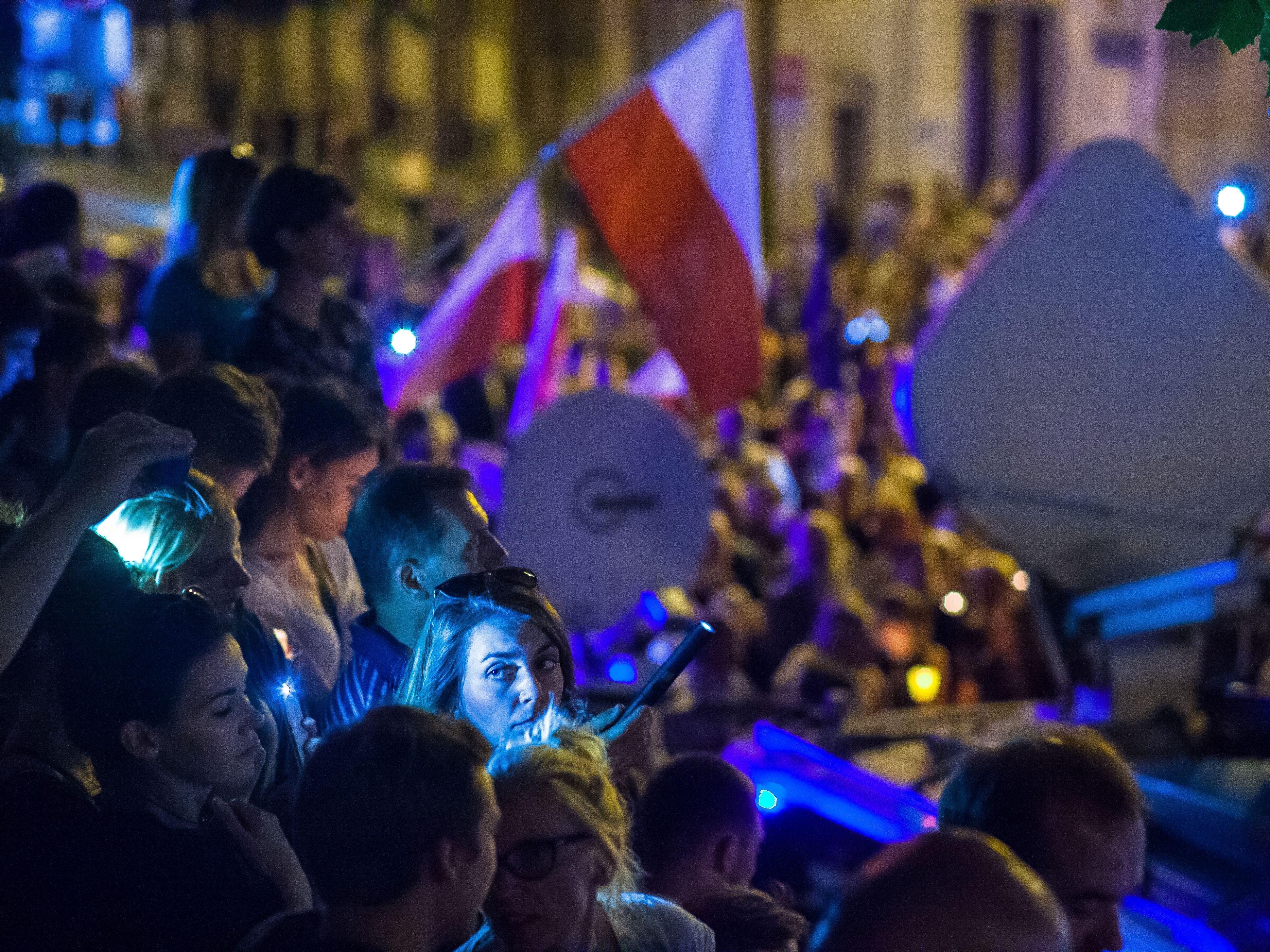 Protesty przeciwko zmianom w systemie sądownictwa w Polsce, lipiec 2017 r.