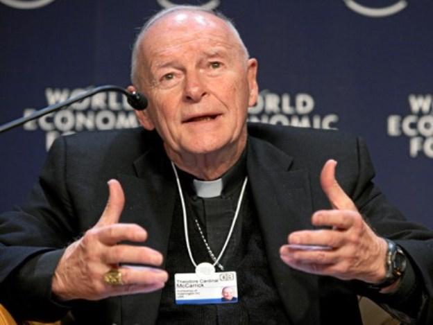 Abp McCarrick wydalony ze stanu duchownego