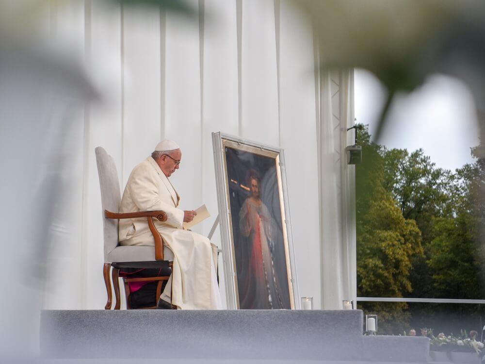 Papież Franciszek na placu Katedralnym w Wilnie 22 września 2018 r.