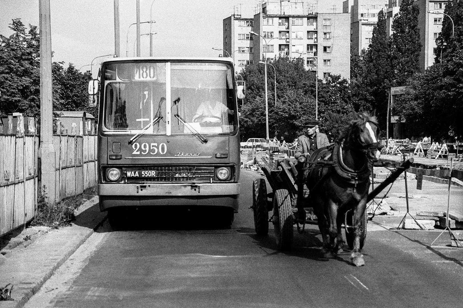 Warszawa, ulica Gagarina na Mokotowie