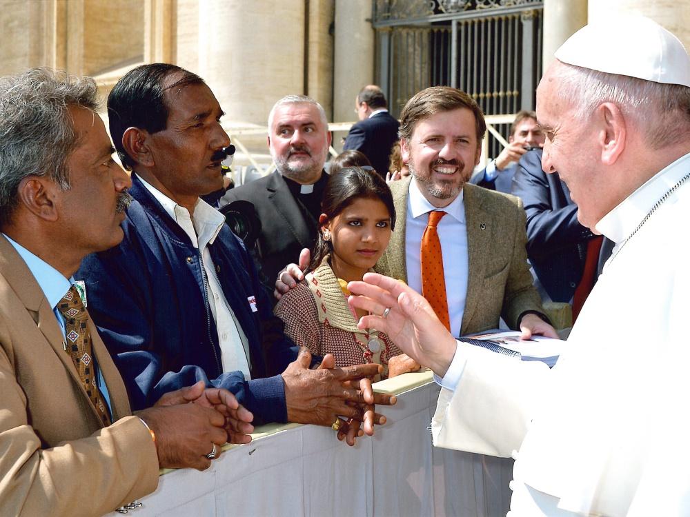 Spotkanie papieża Franciszka z mężem i córką Asii Bibi w kwietniu 2015 r.