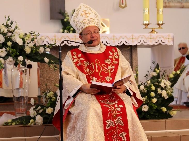 Abp Grzegorz Ryś podczas obłóczyn i święceń diakonatu archidiecezji łódzkiej 30 września 2018 r.