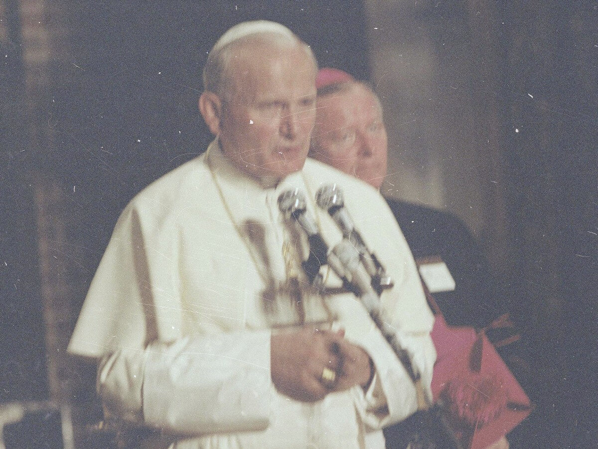 Papież Jan Paweł II i arcybiskup metropolita poznański Jerzy Stroba