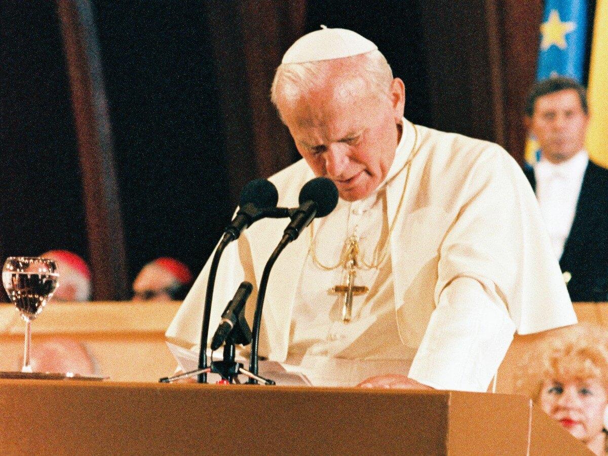 Wizyta Jana Pawła II w Parlamencie Europejskim w Strasburgu 11 października 1988 r.