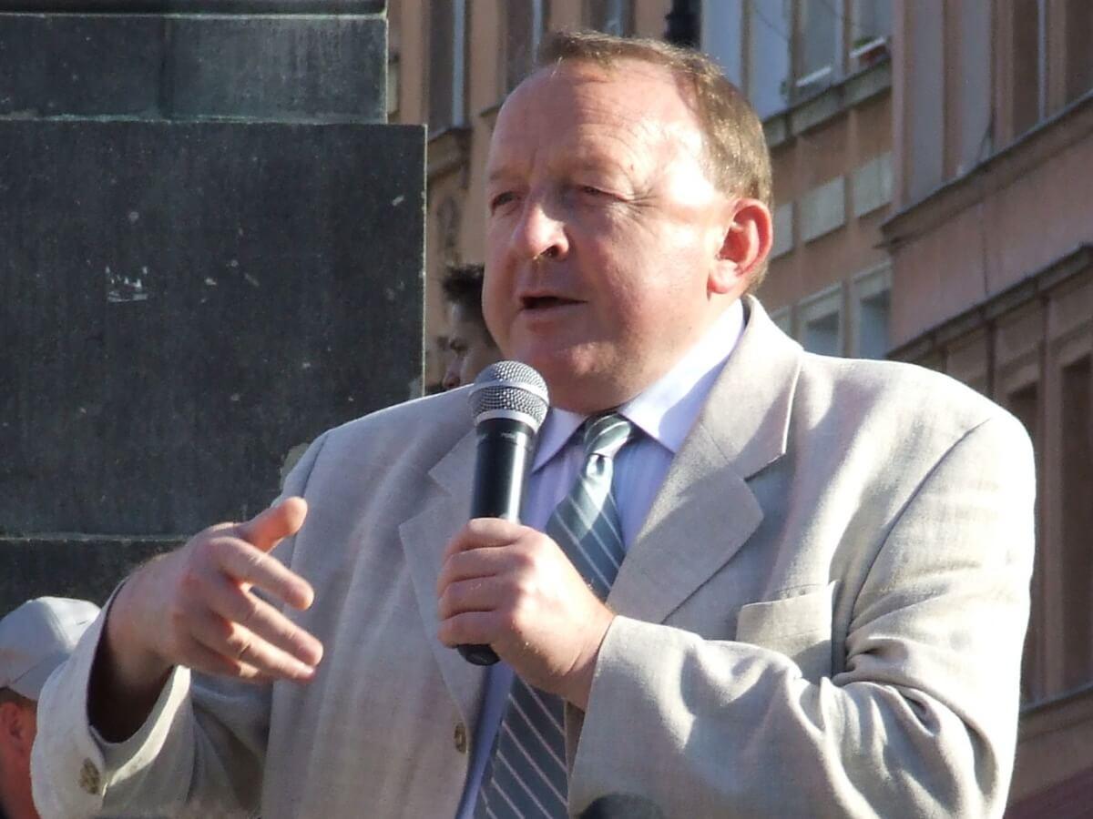 Chrystusowcy krytycznie o Michalkiewiczu. Publicysta ujawnił dane ofiary księdza