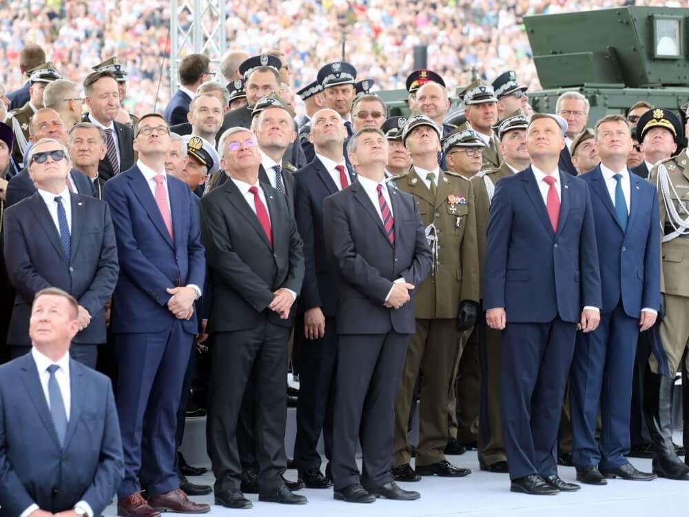 Przedstawiciele władz państwowych podczas Święta Wojska Polskiego