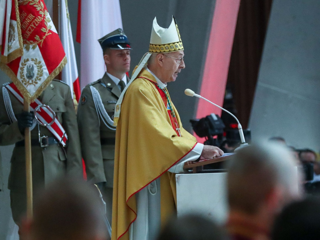 Abp Stanisław Gądecki podczas Mszy świętej za Ojczyznę w Świątyni Opatrzności Bożej 11 listopada 2018 r.