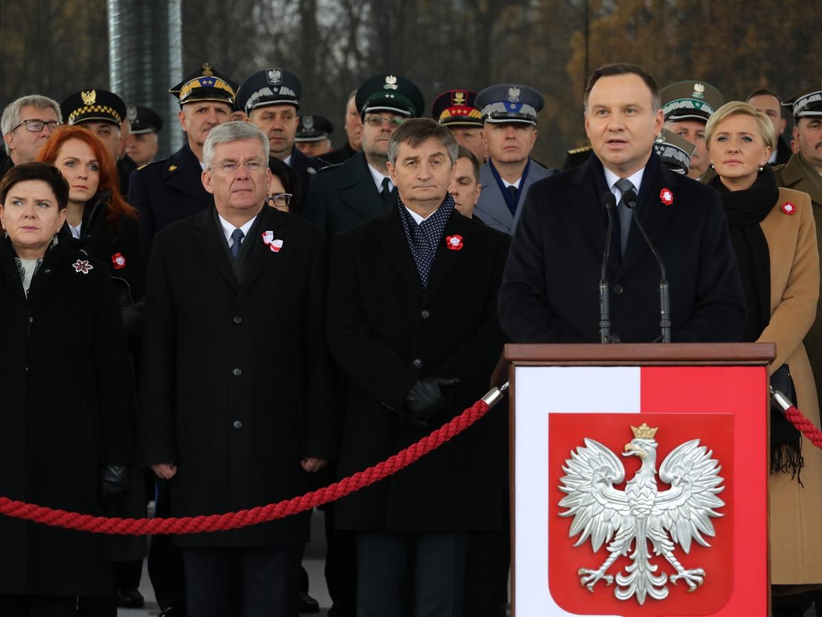 Prezydent Andrzej Duda przemawia podczas Święta Niepodległości na pl. Piłsudskiego w Warszawie 11 listopada 2017 r.