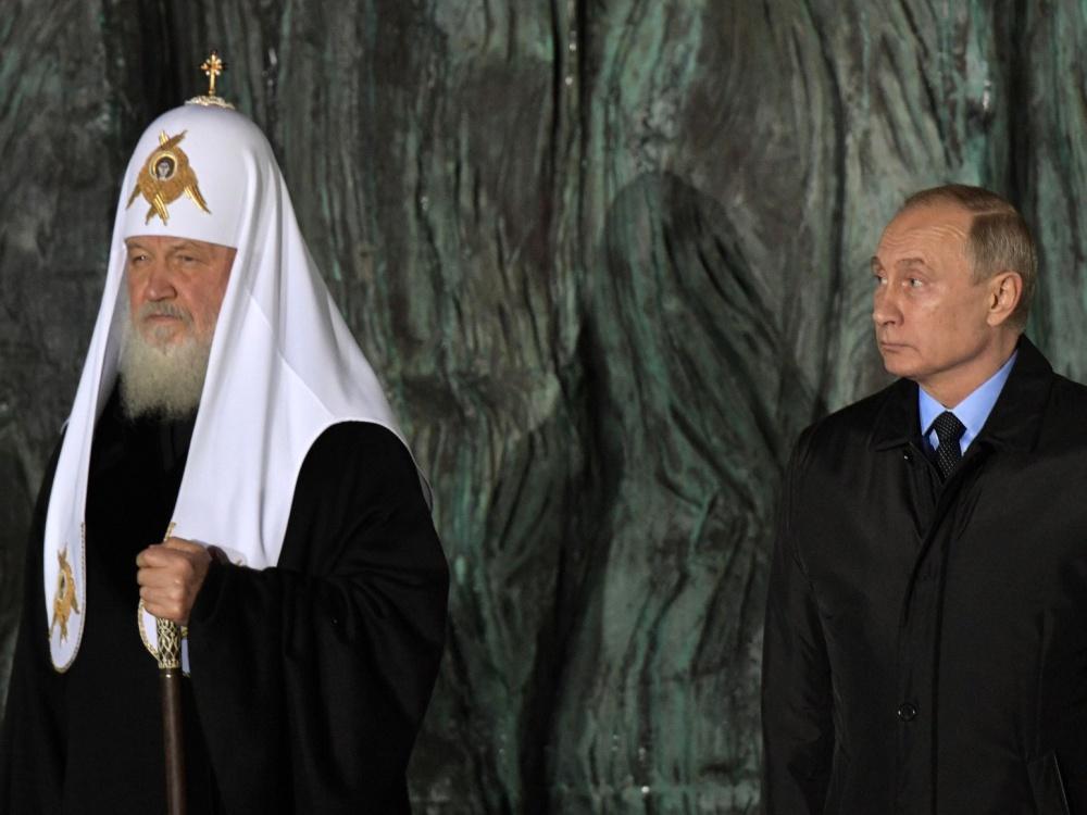 Patriarcha moskiewski i całej Rusi Cyryl oraz prezydent Rosji Władimir Putin podczas odsłonięcia monumentalnej Ściany Żalu