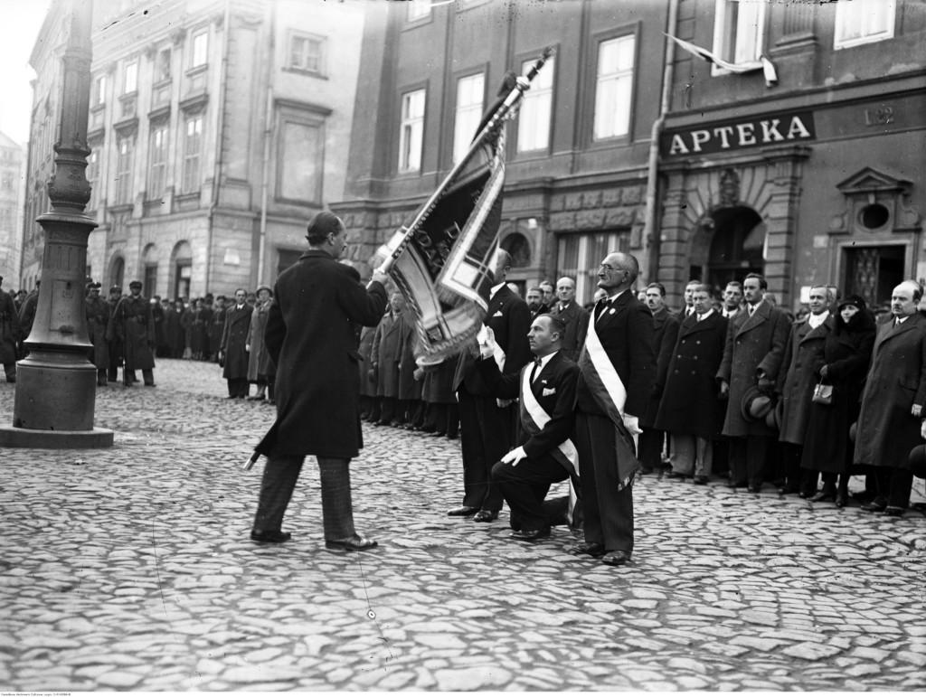 Obchody rocznicy wyzwolenia Krakowa spod władzy zaborczej 31 października 1918 roku