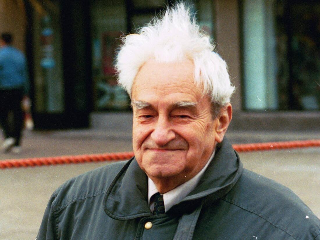 Jerzy Turowicz w Warszawie z okazji 50. rocznicy wybuchu powstania w getcie 19 kwietnia 1993 r.