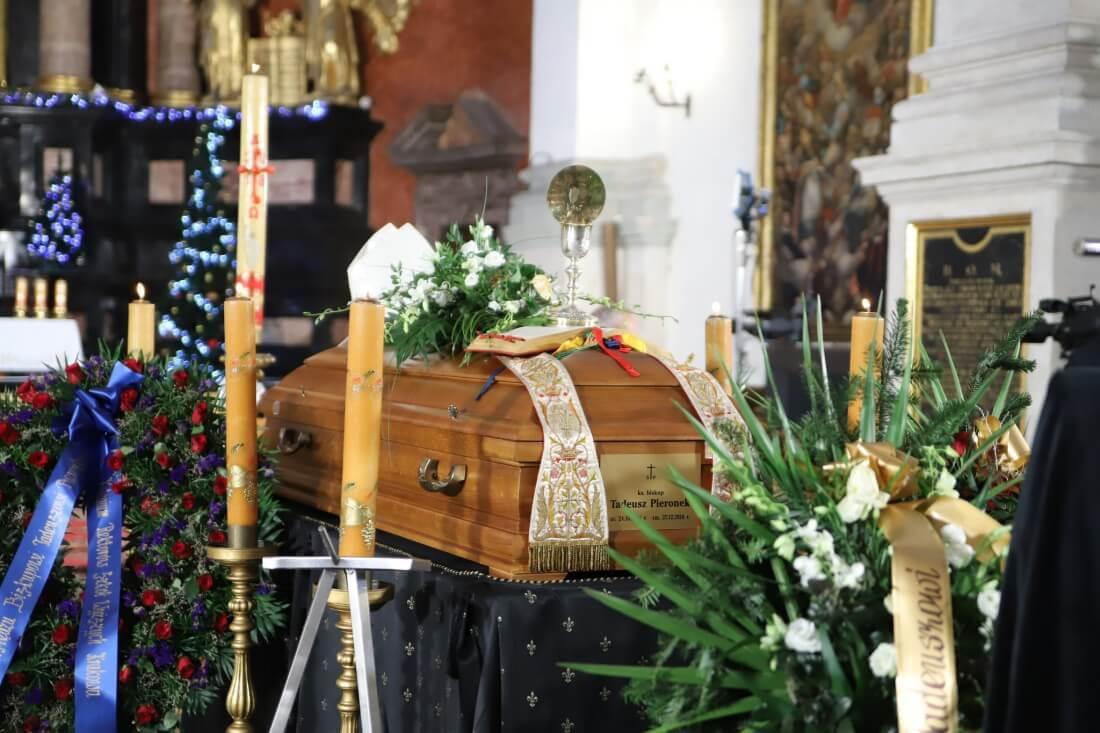Pogrzeb śp. biskupa Tadeusza Pieronka 3 stycznia 2019 r.
