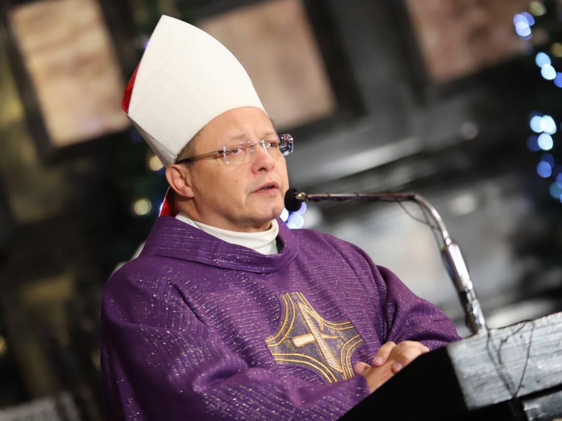 Abp Grzegorz Ryś podczas pogrzebu śp. biskupa Tadeusza Pieronka 3 stycznia 2019 r.