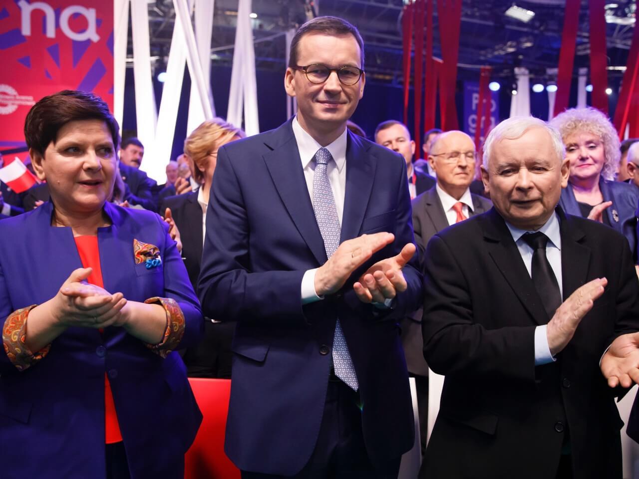 Wicepremier Beata Szydło, premier Mateusz Morawiecki i prezes PiS Jarosław Kaczyński podczas partyjnej konwencji w Warszawie 23 lutego 2019 r.
