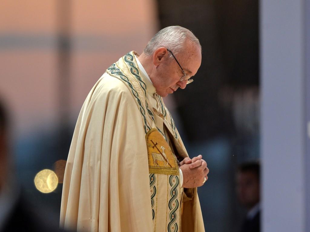Franciszek podczas Drogi Krzyżowej: Jezu, ożyw w nas nadzieję