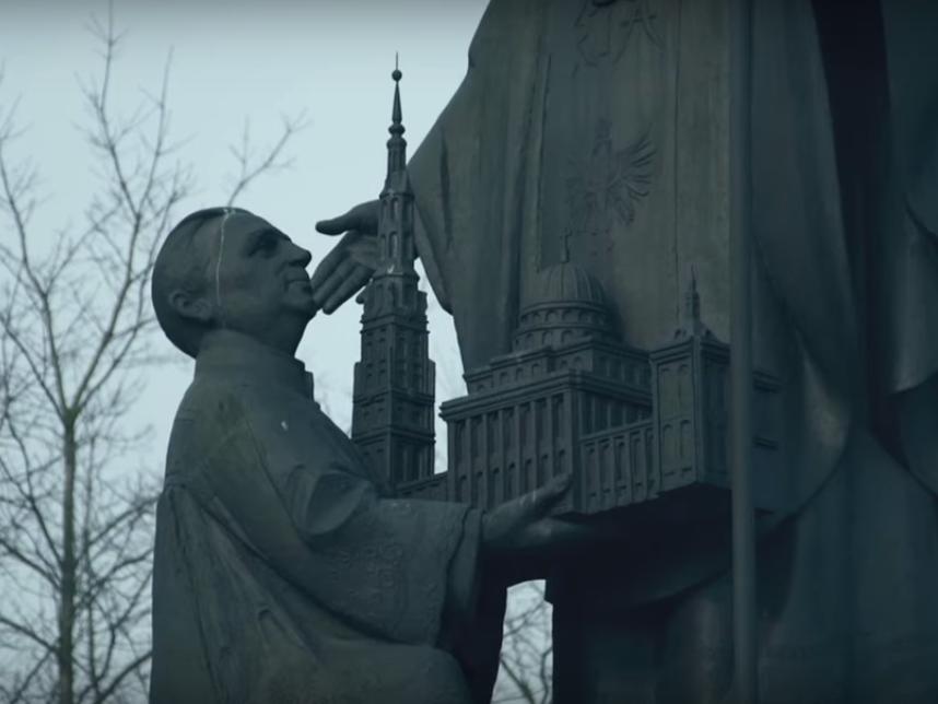 """Kadr z filmu """"Tylko nie mów nikomu"""" Tomasza Sekielskiego"""