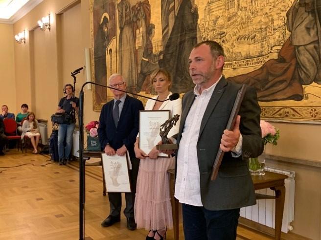 """Tomasz Krzyżak tegorocznym laureatem Nagrody Dziennikarskiej """"Ślad"""""""