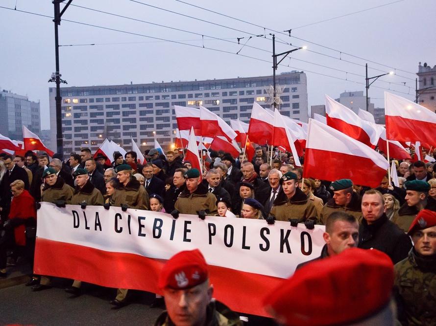 """Biało-czerwony marsz """"Dla Ciebie Polsko"""" w Święto Niepodległości"""
