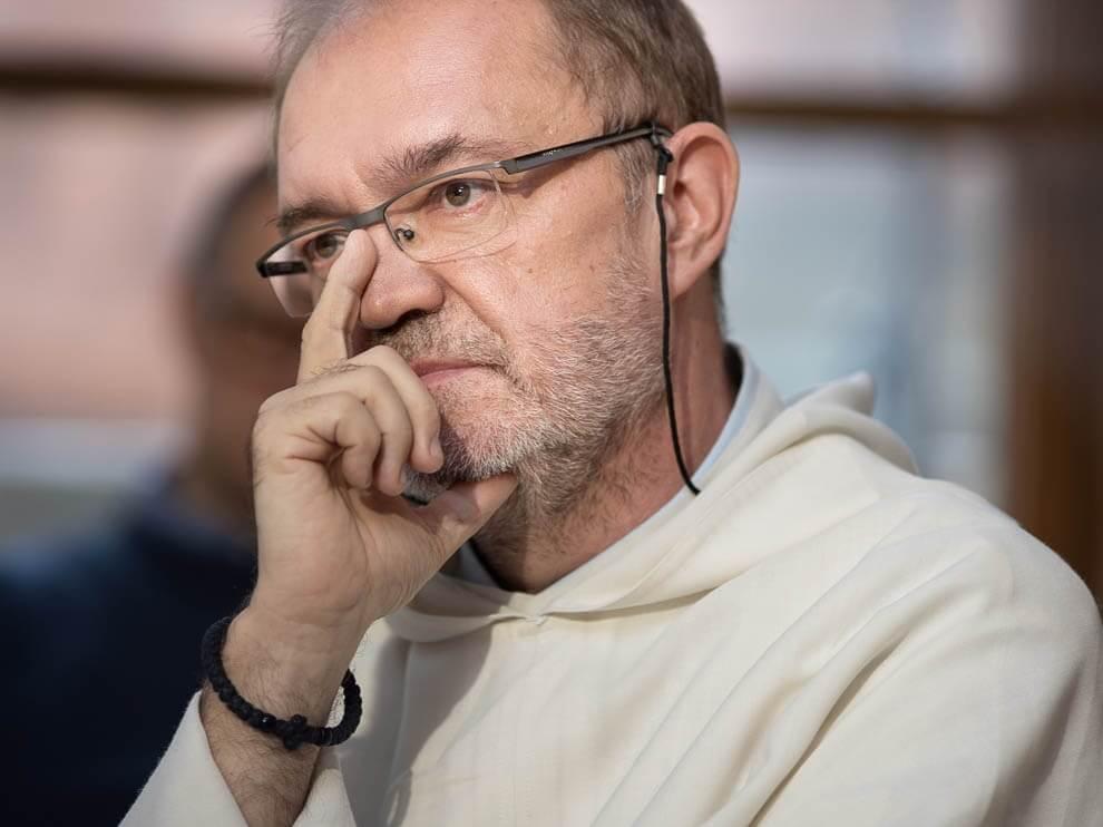 O. Dostatni: Z perspektywy katolickiej możliwa jest regulacja związków jednopłciowych