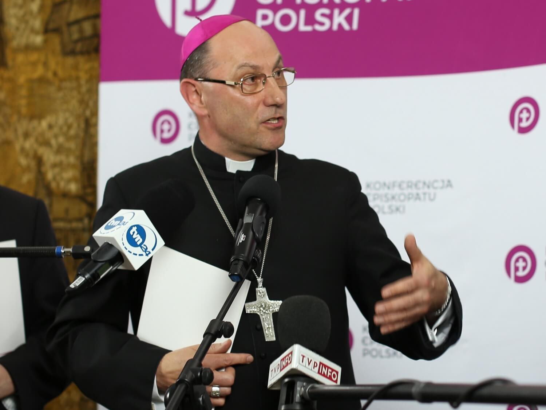 Episkopat zakłada fundację, która ma pomagać ofiarom księży