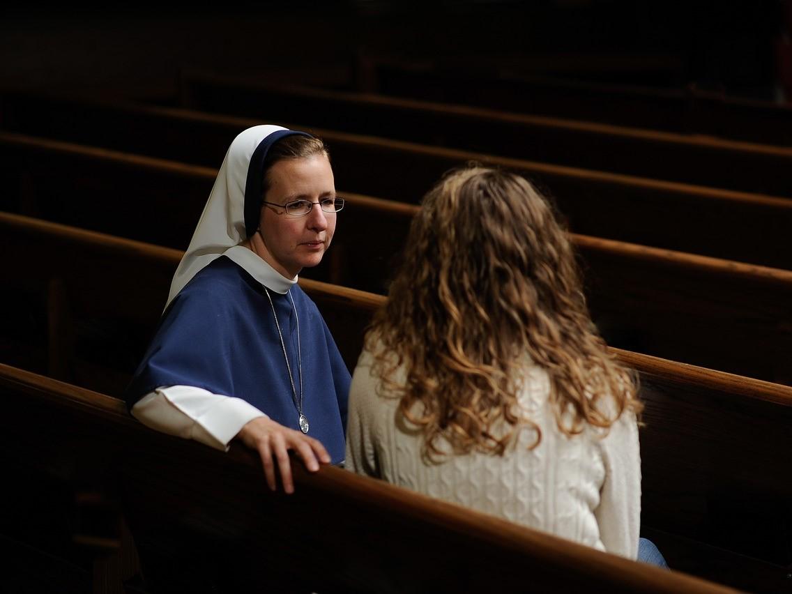 Rozmowa w kościele