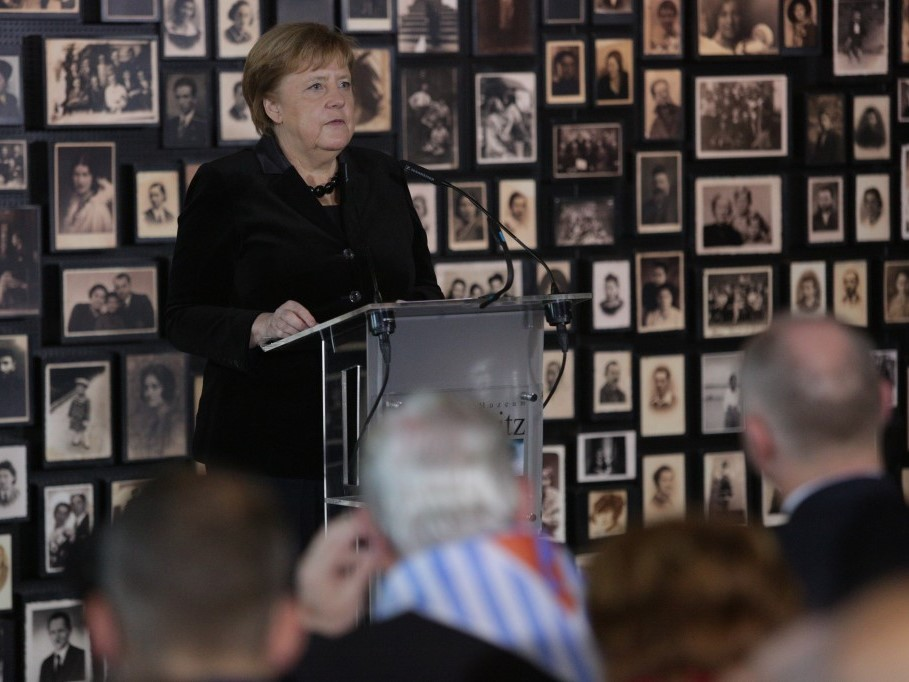 Kanclerz Merkel w Auschwitz: Odczuwam głęboki wstyd